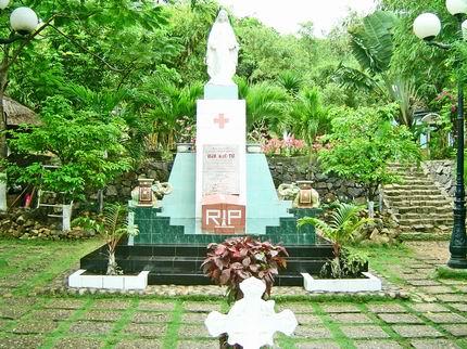 Đại lý bán vé máy bay Qui Nhơn Sài Gòn của VietJet - Mộ thi nhân Hàn Mạc Tử