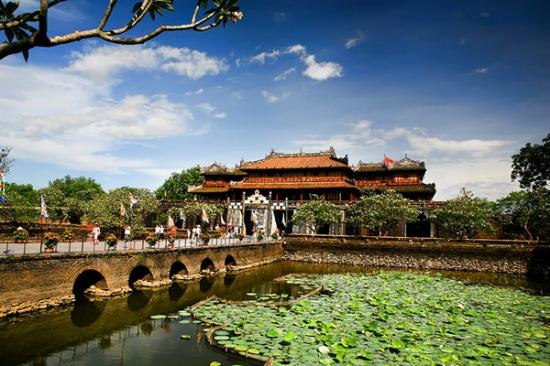Vé máy bay Huế Hà Nội của Vietnam Airlines Vé máy bay Huế Hà Nội của Vietnam Airlines