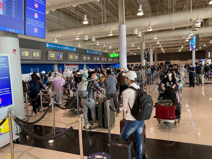 Chưa đủ giấy phép cho chuyến bay đưa người Việt từ Mỹ về nước - Ảnh 1.