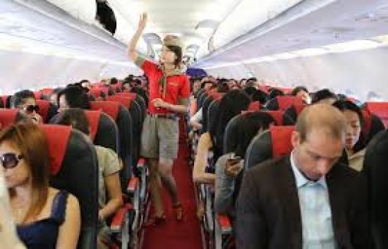 Chuyến bay từ Đà Lạt đi Hà Nội của Vietjet Air phải hạ cánh khẩn cấp Chuyến bay từ Đà Lạt đi Hà Nội của Vietjet Air phải hạ cánh khẩn cấp