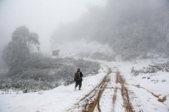 Tuyết vẫn rơi dày đặc như châu Âu tại Nghệ An Tuyết vẫn rơi dày đặc như châu Âu tại Nghệ An