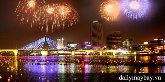 Mua vé máy bay Đà Nẵng đi Hà Nội dịp Giáng sinh 2015 này! Mua vé máy bay Đà Nẵng đi Hà Nội dịp Giáng sinh 2015 này!